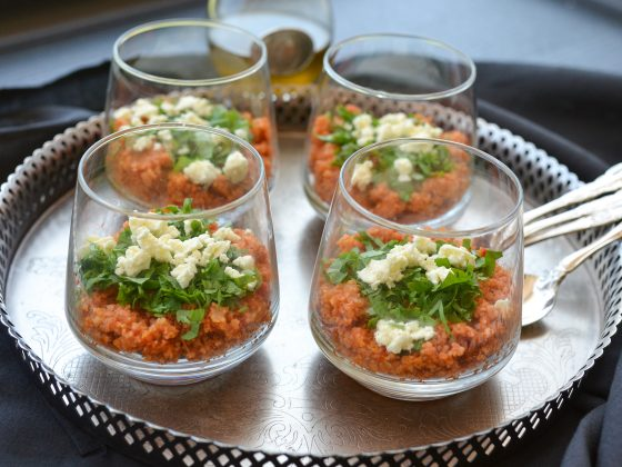 Wholegrain cracked wheat in tomato sauce served in individual glasses