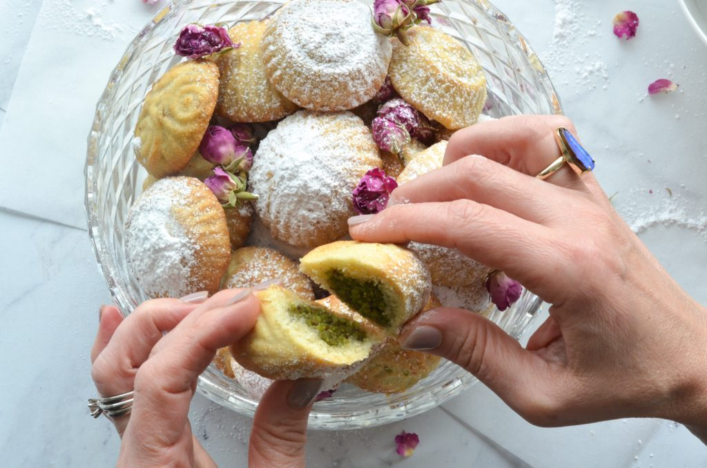ma'amoul filled with pistachio
