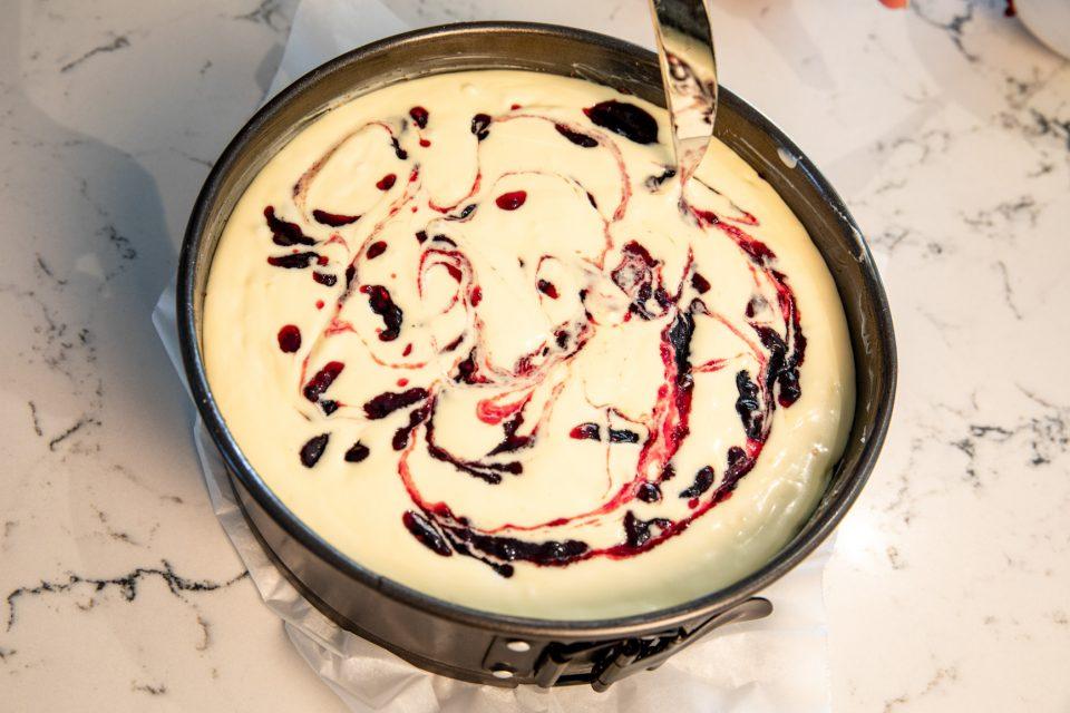 blackberry and white choc cheesecake jam swirls